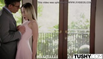 Assfuck lover Valentina Nappi gets hard this time