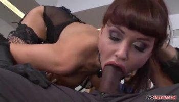 Playgirl gets her twat examined in front of men