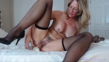 Pleasuring a lusty thick 10pounder