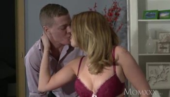 Stepson has a big cock for his gorgeous mommy Phoenix Marie